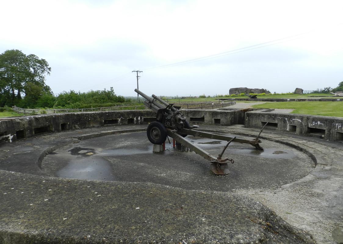 Fosas para cañones de 155 mm